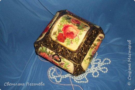 Шкатулка из картона, каких много в Стране Мастеров, украшена декупажем и скрученными салфетками (Татьяна Сорокина) фото 5