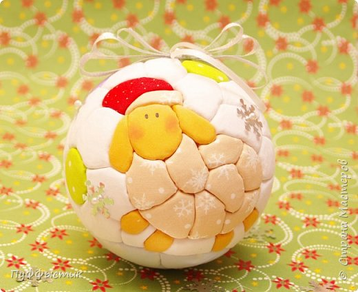 Всех, всех, всех С НОВЫМ 2015 ГОДОМ! Мы попробуем с Вами сделать новогодний шар на елку, используя технику «кинусайга». фото 1
