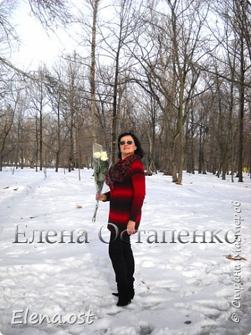 """Белые розы - подарок супруга. И конечно же у нас небольшая прогулка по зимнему парку с фотосессией моих вязаных вещей и цветами. К зимним холодам связала теплую тунику из пряжи Rainbow Alpaca Fancy. Туника связана спицами 3.5, ушел моточек пряжи - 350 г. Техника вязания: лицевая гладь, вязание регланом от горловины без швов. Приятного просмотра под музыку """"Ласкового мая""""."""