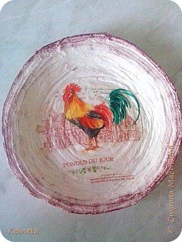 Моя первая тарелочка из газетных трубочек.  фото 1