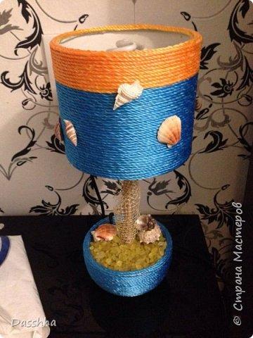 """Мама попросила за декорировать старую настольную лампу. В итоге мама позвонила через неделю и сказала, что нужна еще одна такая же, так как эту купила ее подруга))) Следующие фото - это та самая лампа, """"еще одна такая же"""", в процессе.  фото 1"""