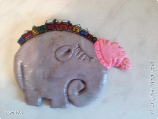 В Древней Индии слон — символ священной мудрости, царского достоинства, непобедимой мощи и благоразумия. В буддизме слон — наиболее почитаемое священное животное, символ духовного знания и стабильности. Мне созерцание слонов приносит умиротворение и покой. Очень надеюсь, что скоро увижу их в живую) фото 2