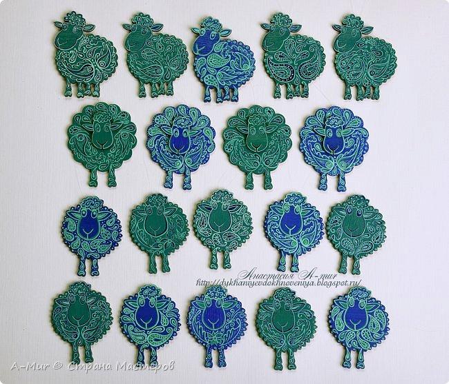 Привет всем!! Я сегодня пришла показать своих расписных овечек и лошадок. Ещё покажу елки, наряженные ими. Фотографий будет много))) Вот моё небольшое стадо)) точнее то, что от него осталось, т.к. часть уже раздарена)) фото 1