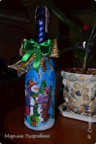 Здравствуй дорогие Жители СМ!!! Хочу выставить на Ваш суд мои первые декупажные работы, а именно декупаж на бутылках шампанского. Простите за опоздание, Новый год ведь уже давно прошел...  Моя новогодняя бутылочка в украинском стиле))) фото 6