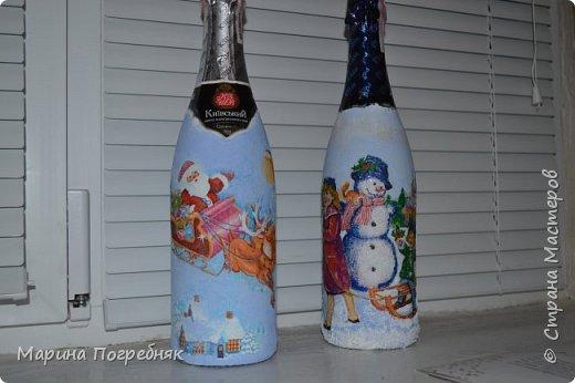 Здравствуй дорогие Жители СМ!!! Хочу выставить на Ваш суд мои первые декупажные работы, а именно декупаж на бутылках шампанского. Простите за опоздание, Новый год ведь уже давно прошел...  Моя новогодняя бутылочка в украинском стиле))) фото 9
