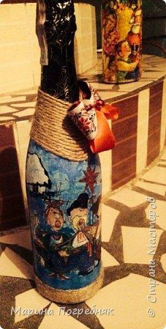 Здравствуй дорогие Жители СМ!!! Хочу выставить на Ваш суд мои первые декупажные работы, а именно декупаж на бутылках шампанского. Простите за опоздание, Новый год ведь уже давно прошел...  Моя новогодняя бутылочка в украинском стиле))) фото 3