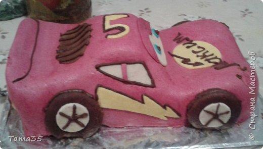 """Спасибо большое  Галине Шмаковой за такой МК. Я вообще печь не умею, но такой подарок на """"Пятилетие"""" сынуле захотелось сделать. Торт делала до допоздна (подарок держали в секрете), перед самым днем рождения и сфотографировать получилась только на столе во время празднования. фото 5"""