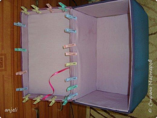 """Результат. Вдохновил на подвиг комодик """"Весна в Париже""""! Мне очень нравится! Для изготовления понадобились: коробка, картон, ткань (старые рубашки 3 шт), ленты, шнур, нитки, клей пва, клеевой пистолет, термо-аппликации, картиночка, остатки тесемки, фурнитура. фото 6"""