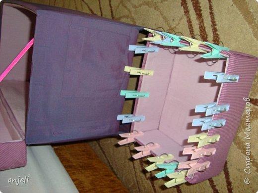 """Результат. Вдохновил на подвиг комодик """"Весна в Париже""""! Мне очень нравится! Для изготовления понадобились: коробка, картон, ткань (старые рубашки 3 шт), ленты, шнур, нитки, клей пва, клеевой пистолет, термо-аппликации, картиночка, остатки тесемки, фурнитура. фото 9"""