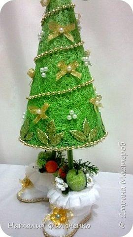 Вот такой наборчик сделала на Новый год. Цветы из атласной ленты плюс декор. фото 10