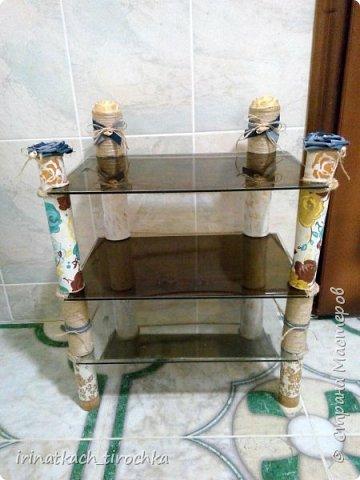 Идея сделать полочку в ванную комнату у меня созревала давно. Да вот как-то сначала идеи подходящей не было, потом времени, а иногда и вдохновения. И когда «звезды сошлись» - пришла замечательная идея из подручных материалов, нашлось немного времени и снизошло вдохновение, что самое важное.  Итак, представляю Вам свой первый МК. Заранее прошу прощения за недочеты.   фото 21