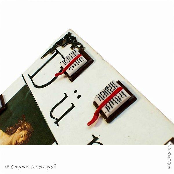 """Всем здравствуйте! Ещё одна работа пополнила коллекцию """"БИБЛИОТЕКА"""" - Часы """"Дюрер: Адам и Ева"""" Всё как и в прошлых моделях, книга, механизм,отделка... Гравюры Дюрера, цифры в ручную лепил из полимерной глины, для большего эффекта добавил металлические уголки) фото 7"""