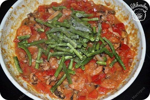 Паэлья - это повсеместное испанское блюдо со множеством вариантов приготовления.  Очередной заказ мужа ))) фото 9