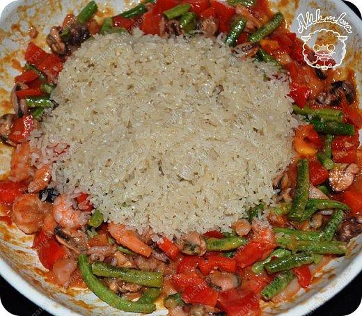 Паэлья - это повсеместное испанское блюдо со множеством вариантов приготовления.  Очередной заказ мужа ))) фото 10