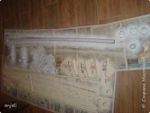Результат 1. Для реализации понадобились балончики с просто краской - сатиновый беж (для одних), и набор для кракелюра (для второго), газета (укрыть пол). Все это было найдено в строительных магазинах (Леруа Мерлен). фото 4