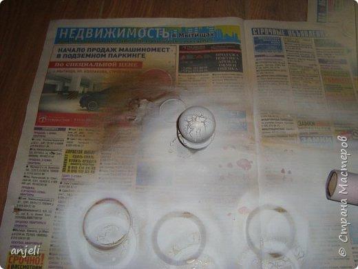 Результат 1. Для реализации понадобились балончики с просто краской - сатиновый беж (для одних), и набор для кракелюра (для второго), газета (укрыть пол). Все это было найдено в строительных магазинах (Леруа Мерлен). фото 7