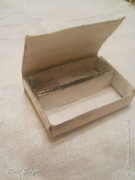 """Всем привет! Сегодня я замесила соленое тесто,и принялась """"готовить"""" разную выпечку для кукол. И вот """"плод"""" моих стараний - МАКАРОНИ! Также, из коробка была сделана коробочка,для хранения печенья.  фото 4"""