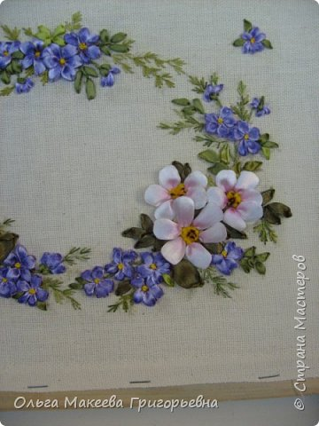 Доброго времени суток дорогие рукодельницы! Вот такой веночек полевых цветов я вышила.  Работа пока без рамки. фото 3