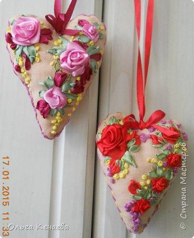 """С новогодней овцеманией совсем забросила вышивку. Руки """"зачесались"""", тем более, что День Святого Валентина на носу, а там и до 8 марта рукой подать. Вот и решила всё это совместить: и сердечки сделать, и повышивать. фото 1"""