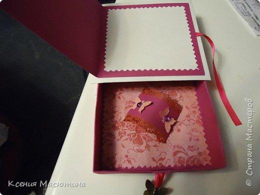 """Коробочка 11х11 см, картон, ватман, дизайнерская бумага, готовые цветы, лента, стразы, подвеска """"Сердечки"""" фото 15"""
