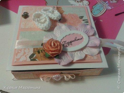 """Коробочка 11х11 см, картон, ватман, дизайнерская бумага, готовые цветы, лента, стразы, подвеска """"Сердечки"""" фото 11"""