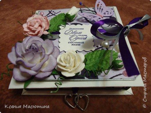 """Коробочка 11х11 см, картон, ватман, дизайнерская бумага, готовые цветы, лента, стразы, подвеска """"Сердечки"""" фото 8"""