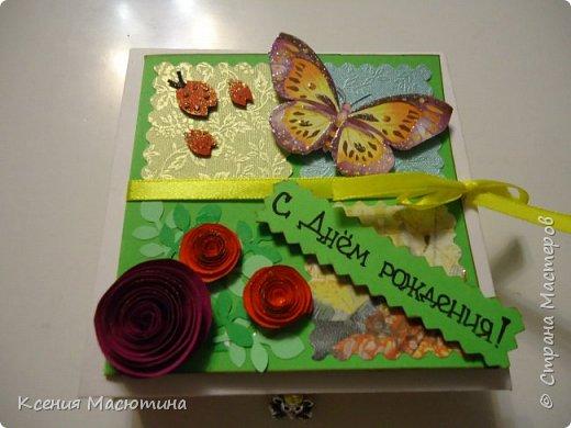 """Коробочка 11х11 см, картон, ватман, дизайнерская бумага, готовые цветы, лента, стразы, подвеска """"Сердечки"""" фото 12"""