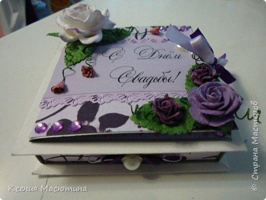 """Коробочка 11х11 см, картон, ватман, дизайнерская бумага, готовые цветы, лента, стразы, подвеска """"Сердечки"""" фото 6"""