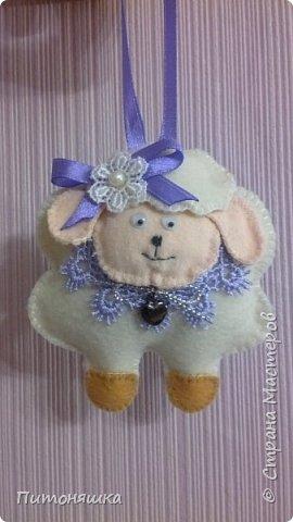 Ну как же без символа года? Первая овечка получилась такая кокетка!) фото 1
