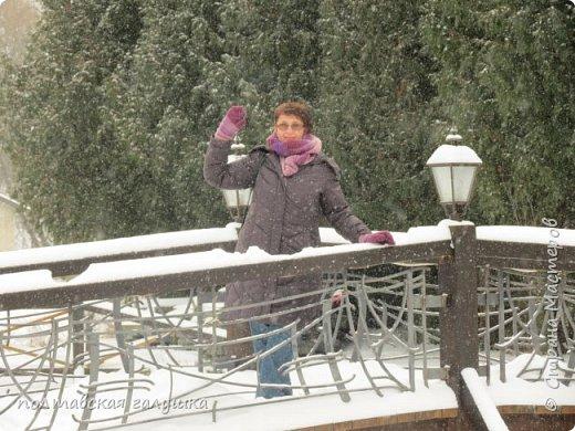 На 50-летний юбилей мужа, я подарила ему путевку на новогодние праздники в Карпаты, естественно на два человека ,т.е на него и себя)).Приехали мы в Прикарпатье 30 декабря утром. Вот такой красотой нас встретили горы. фото 12