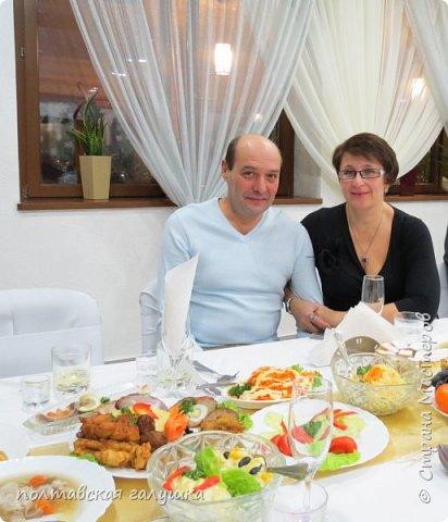 На 50-летний юбилей мужа, я подарила ему путевку на новогодние праздники в Карпаты, естественно на два человека ,т.е на него и себя)).Приехали мы в Прикарпатье 30 декабря утром. Вот такой красотой нас встретили горы. фото 37