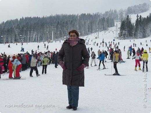 На 50-летний юбилей мужа, я подарила ему путевку на новогодние праздники в Карпаты, естественно на два человека ,т.е на него и себя)).Приехали мы в Прикарпатье 30 декабря утром. Вот такой красотой нас встретили горы. фото 51