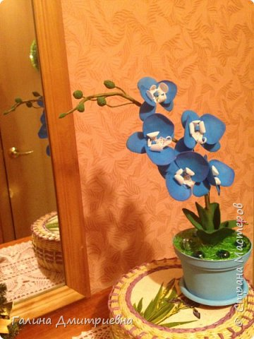 Добрый вечер жители Страны Мастеров! Вот такую орхидею я сотворила впервые.  Затем дочери моей понравилась и она заказала большую орхидею. Вторая  уже получилась получше. Мне она очень понравилась, я думаю Вам она тоже понравится.    фото 2