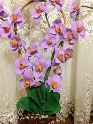 Добрый вечер жители Страны Мастеров! Вот такую орхидею я сотворила впервые.  Затем дочери моей понравилась и она заказала большую орхидею. Вторая  уже получилась получше. Мне она очень понравилась, я думаю Вам она тоже понравится.    фото 4