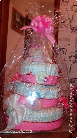 """Такой тортик """"испекли"""" на рождение маленькой принцессы. Торт с начинкой. Цветочки - это резиночки для волос. Шляпка - заколочка, ну а сумочка - прорезыватель. Сделано с любовью. фото 1"""