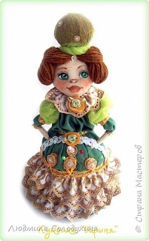 """Текстильная куколка """"Барыня"""".  Может быть украшением интерьера, а может быть игольницей. Ростик 25 см. фото 2"""