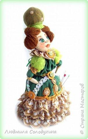 """Текстильная куколка """"Барыня"""".  Может быть украшением интерьера, а может быть игольницей. Ростик 25 см. фото 3"""