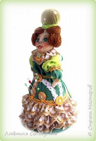 """Текстильная куколка """"Барыня"""".  Может быть украшением интерьера, а может быть игольницей. Ростик 25 см. фото 4"""