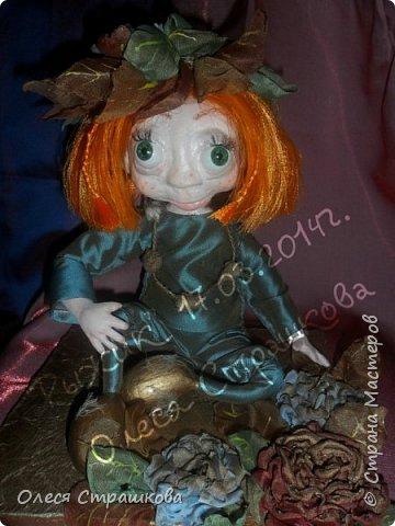 """Здравствуй СМ!!! Вот и моя самая, самая любимая куколка """"Рыжик""""!!!!!! Куколку начинала делать осенью  и ассоциировалась она именно с золотистой, солнечной осенью,с ярким солнечным лучиком, поэтому и цвет волос такой рыженький и имя """"Рыжик"""" Выполнена из папье маше на проволочном каркасе. фото 1"""