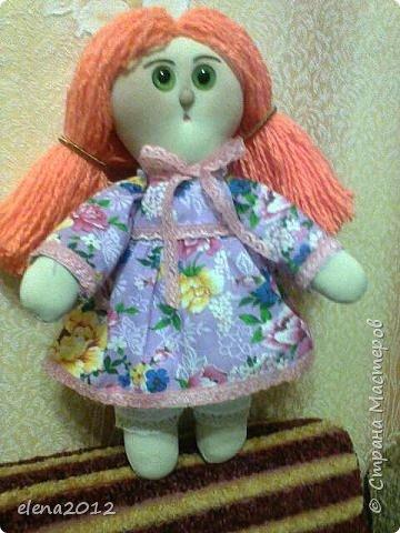 Здравствуйте мастерицы поздравляю Вас со всеми праздникоми. Вот моя куколка Маня, которую сшила на каникулах и овечки, и елка. фото 1