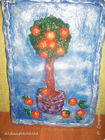 Работа моих кружковцев, апельсиновое дерево....немного не получилось, но ребенок очень старался...я помогала оформлять.. фото 1