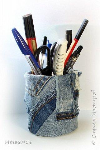 Картонная коробка обклеена лоскутами от старых джинсов: фото 13