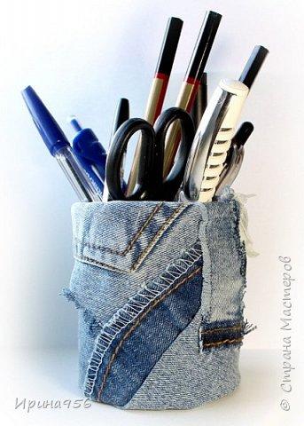 Картонная коробка обклеена лоскутами от старых джинсов: фото 15
