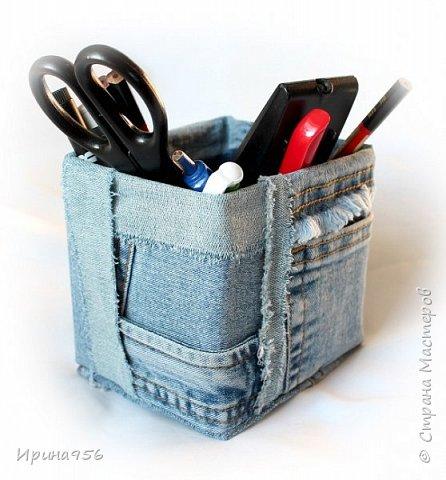 Картонная коробка обклеена лоскутами от старых джинсов: фото 7