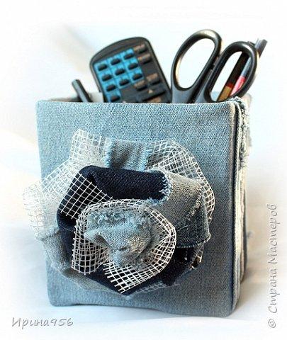 Картонная коробка обклеена лоскутами от старых джинсов: фото 10