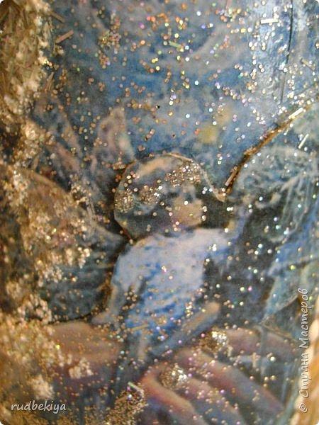 Доброй ночи страна Мастеров! Хочу показать Вам свою любимую бутылочку Снежная королева. Делала я ее моей хорошей знакомой с каким то особым трепетным чувством. тема была навеяна во-первых, тем что это ее любимая сказка, а также чудесным аквамариновым цветом бутылочки.  Я думаю, что Вы все хорошо помните эту замечательную сказку. Так что приятного путешествия...Все стихи взяты из  Сказки в стихах Снежная королева. (По мотивам одноимённой сказки Г. Х. Андерсена. Переложение на стихи — Владимир Глушков). фото 26