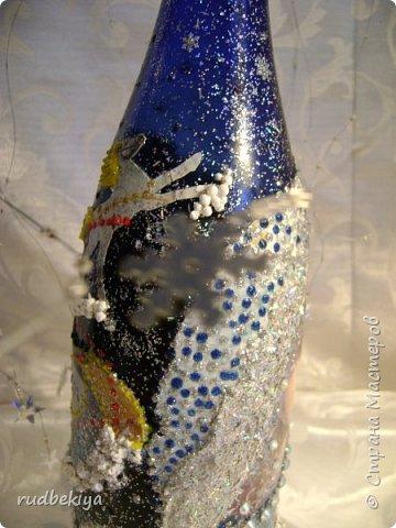Доброй ночи страна Мастеров! Хочу показать Вам свою любимую бутылочку Снежная королева. Делала я ее моей хорошей знакомой с каким то особым трепетным чувством. тема была навеяна во-первых, тем что это ее любимая сказка, а также чудесным аквамариновым цветом бутылочки.  Я думаю, что Вы все хорошо помните эту замечательную сказку. Так что приятного путешествия...Все стихи взяты из  Сказки в стихах Снежная королева. (По мотивам одноимённой сказки Г. Х. Андерсена. Переложение на стихи — Владимир Глушков). фото 11