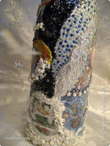 Доброй ночи страна Мастеров! Хочу показать Вам свою любимую бутылочку Снежная королева. Делала я ее моей хорошей знакомой с каким то особым трепетным чувством. тема была навеяна во-первых, тем что это ее любимая сказка, а также чудесным аквамариновым цветом бутылочки.  Я думаю, что Вы все хорошо помните эту замечательную сказку. Так что приятного путешествия...Все стихи взяты из  Сказки в стихах Снежная королева. (По мотивам одноимённой сказки Г. Х. Андерсена. Переложение на стихи — Владимир Глушков). фото 12