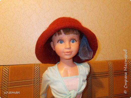 Сегодня я расскажу  как из старой норковой шапки сделать банную шапочку.Подойдёт любая меховая шапка, но фабричного производства(кустарные изнутри промазывали клеем ПВА)  не подходит только  ушанка(настоящая с отложными ушами). Для начала несколько фото готовых шапок фото 3