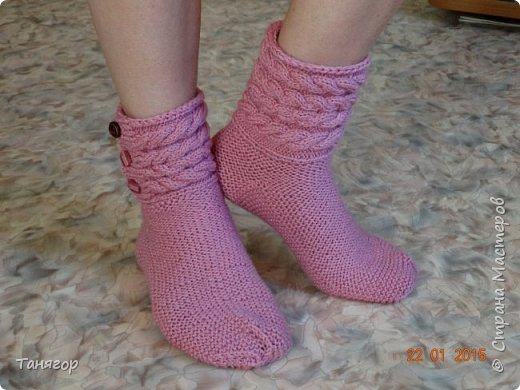 Всем здравствуйте. Вот такие носочки связались в подарок. фото 2